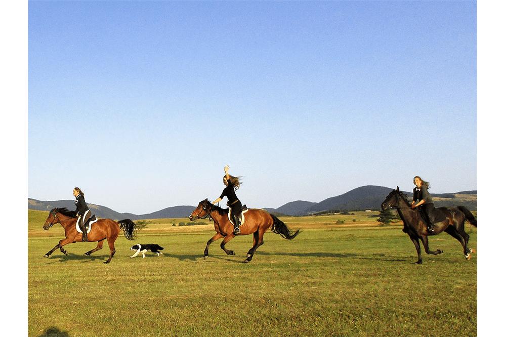 holidays_riding1-min